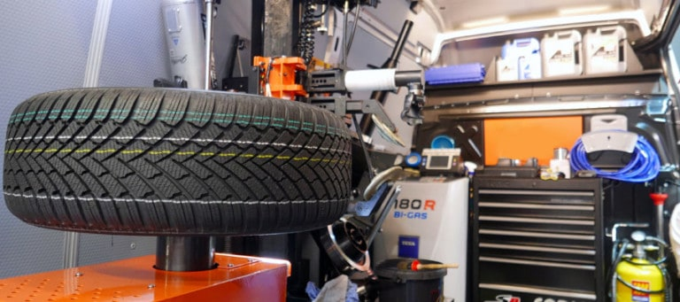 mobile tyre fitting01 768x341